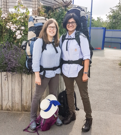 Matching backpackers